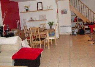 Mtp Clemenceau Bel F3 Duplex de 98 m²  sur cour, proche CV commerces, école et lycée. Beau séjour de [...]
