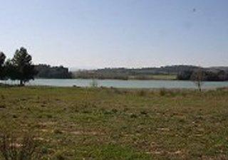 Exceptionnelle parcelle de 3397m² en bordure du lac de Taure, dans quartier calme, proche zone comme [...]