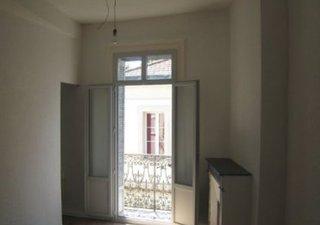 Boutonnet T2 de 30m² 2 et dernier etage compose piece principale cuisine us amenagee chambre sdo wc  [...]