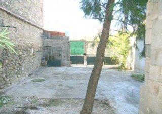 Ouest 10 mn - MDV avec jardin T5 de 133 m2 , rénové poutre pierres, calme, ss vis à vis. DPE : D. www.capifrance.fr - 06.61.49.03.08.