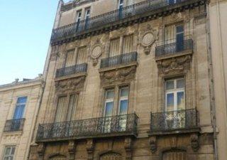 dans immeuble hausmanien, , appartement de type 4, au 2° étage avec ascenceur. Cet ensemble de 138 m [...]