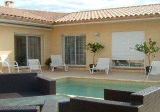 HAUTS DE PORTIRAGNES  belle villa contemporaine de type 5  surface habitable 185 m²,  terrain: 805 m [...]