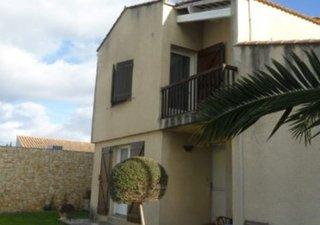 BOUJAN sur LIBRON (34760), vends jolie villa contemporaine de type 4 élevée en 1 étage; avec jardin  [...]