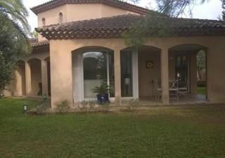 Maisons / Villas 150m� � VIAS (34450)
