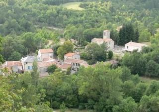 PROCHE LODEVE (34700), maison de Maitre en pierre (S.H. 200 m²) + sous/ sol 100 m² -dans un village  [...]