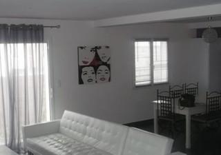 SERVIAN Villa de 2013 T5 de 140 M² hab et 330 M² de terrain. 4 chambres dont une suite parentale en  [...]