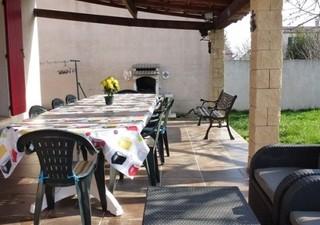 MARGUERITTES, village proche Nîmes, tous les commerçants, collège.... et cette maison de 126 m² avec [...]