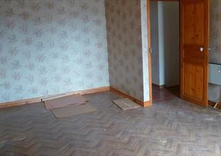 BEZIERS Secteur Faculté Av Clémenceau, appartement en dernier étage en syndic bénévole. Quelques tra [...]