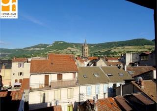 CENTRE VILLE - Idéalement situé au Cœur de Millau - Appartement Mansardé Type 2 rénové - Environ 55  [...]
