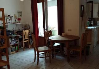 Proximité Gignac  , Agéable maison de village en r+2 de type 3 avec une cave de 45 m² , proposant un [...]