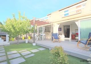 Peyrestortes exclusivité. Agréable villa 2 faces à découvrir avec grande pièce à vivre, salle de bai [...]