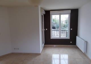 Nîmes, appartement 2 pièces de 50 m2 de 2006 à 10 mn à pied du centre ville. Cet appartement situé a [...]