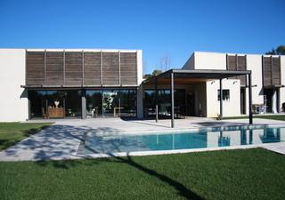 À 10 minutes de Teyran, superbe villa contemporaine, de 215 m² hab., offrant de très belles prestati [...]
