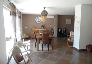 Villa mitoyenne  sur deux niveaux de 2011 d\