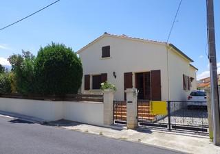 Villa avec véranda, garage et jardin clos d\