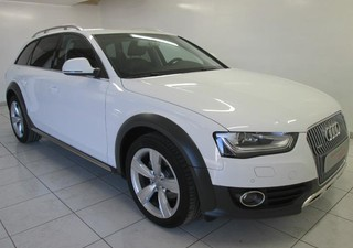 AUDI A4 Allroad 2.0 TDI 190ch clean diesel Ambition Luxe quattro S tronic 7 Euro6 - année 2015 Diese [...]