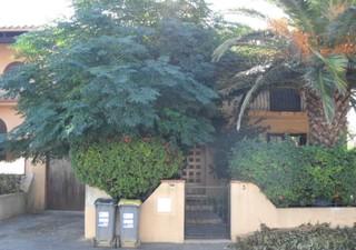 SALEILLES : Villa 3 Faces de 91 m² habitables sur 420 m² de terrain comprenant un séjour - salon, un [...]